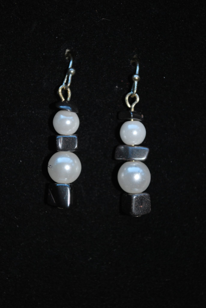 Earrings Faux pearl and hematine. Silver wires.